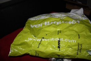 "Zerfetztes neu verpacktes ""Paket"""