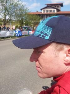 Im Ziel angekommen die Läufer beobachten