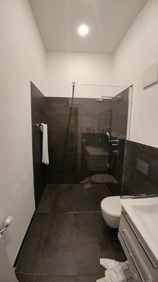 Begehbare bodentiefe Dusche